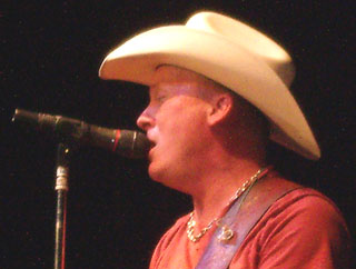 Kevin Fowler serving up his unique brand of Texas country