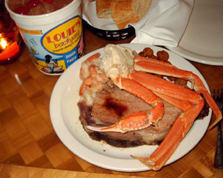 """The mega seafood buffet and signature """"Whammy"""" drink at Louie's Backyard - featured at Southpoint.com"""